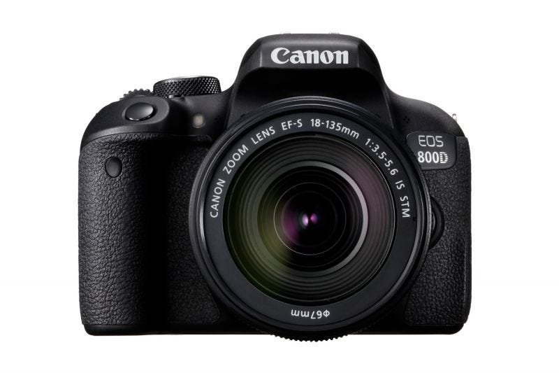 Canon EOS 800D Kit (EF S18-135 IS STM)